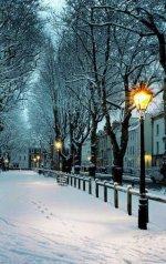 Snowy Night, Bristol, England.jpg