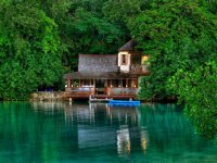 Golden Eye Hotel, St. Mary, Jamaica.jpg