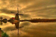 Zaandijk, The Netherlands.photo  by scarbody.jpg