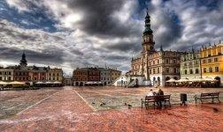 The Old City quarter of Zamość, Poland.jpg